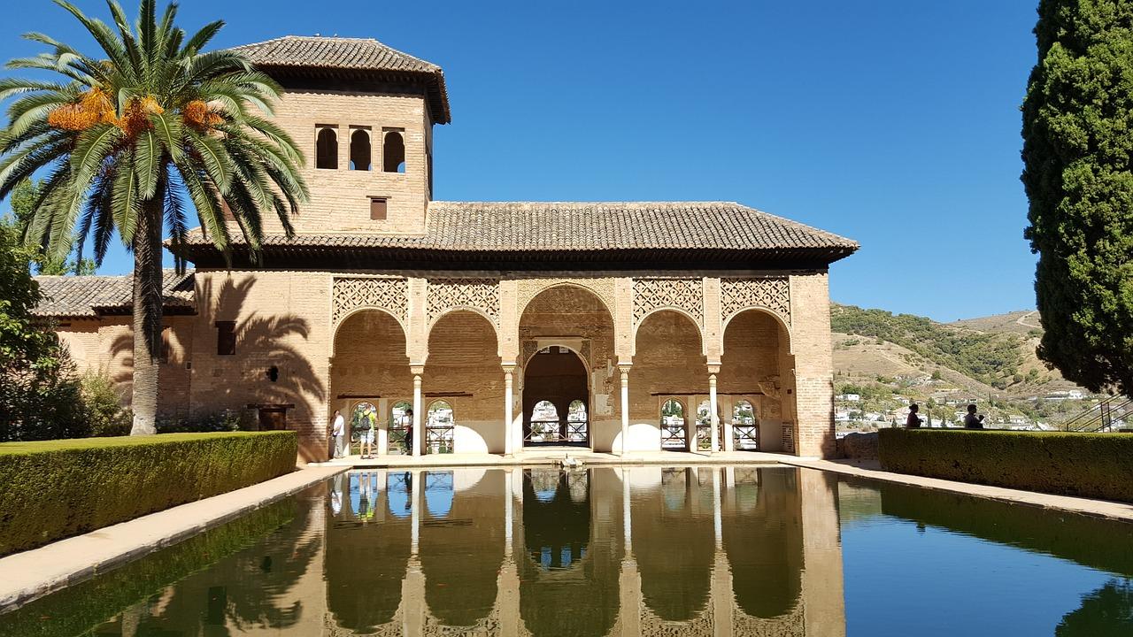 Récord del turismo en Andalucía: El nacional aumenta el 7,4% y el internacional un 1,7%