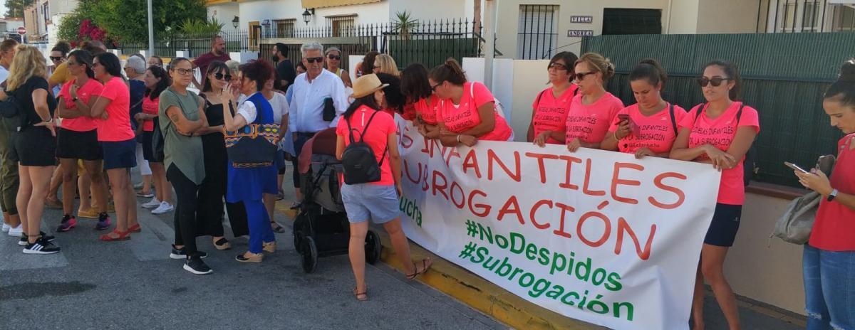 El curso escolar en Andalucía comienza con protestas por las condiciones laborales y el rechazo al despido de 73 personas