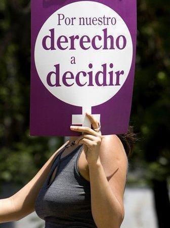 La Junta de Andalucía concede un millón de euros a una entidad para que actúe contra un derecho de las mujeres