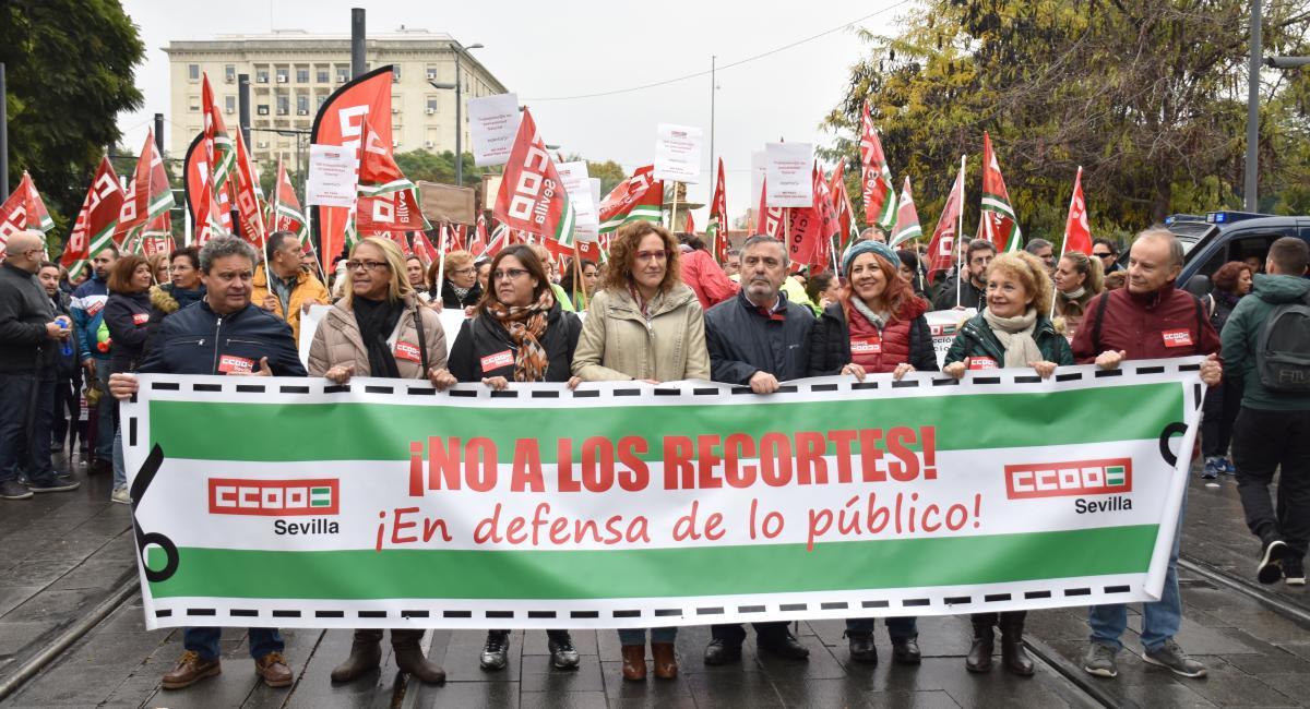 """Manifestación contra los presupuestos de la Junta de Andalucía: """"son injustos, benefician a quienes más tienen y deterioran lo público"""""""