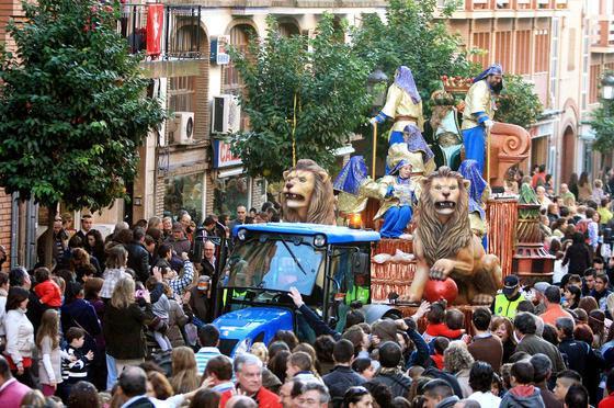 Guía para ver la cabalgata de reyes en Andalucía con seguridad