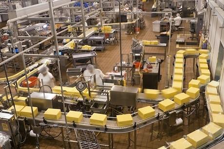 Mal dato económico en Andalucía: La producción industrial cae un 4,8%