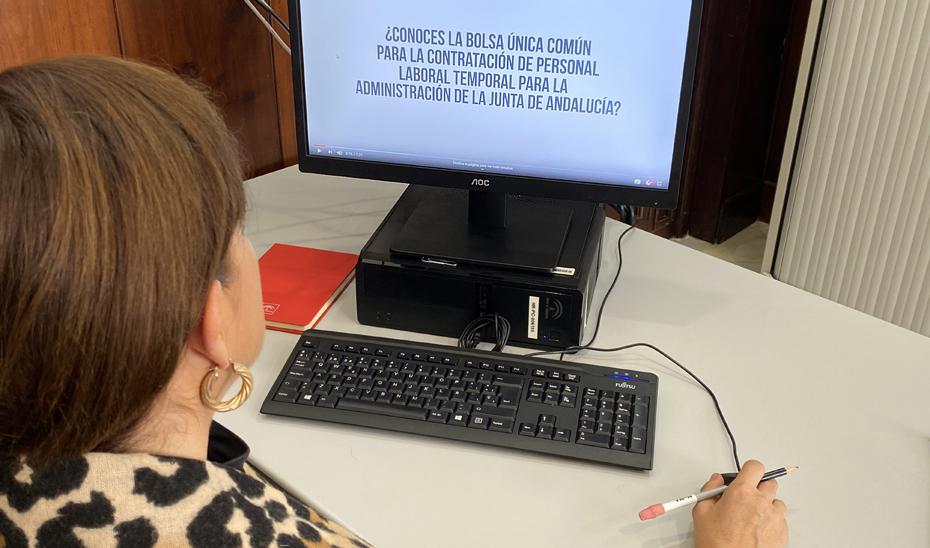 La Bolsa de contratación de la Junta de Andalucía registra más de 43.000 solicitudes en diez días