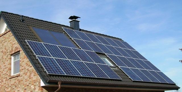 Las instalaciones de autoconsumo eléctrico se multiplican por siete en Andalucía y ya superan las 2.700