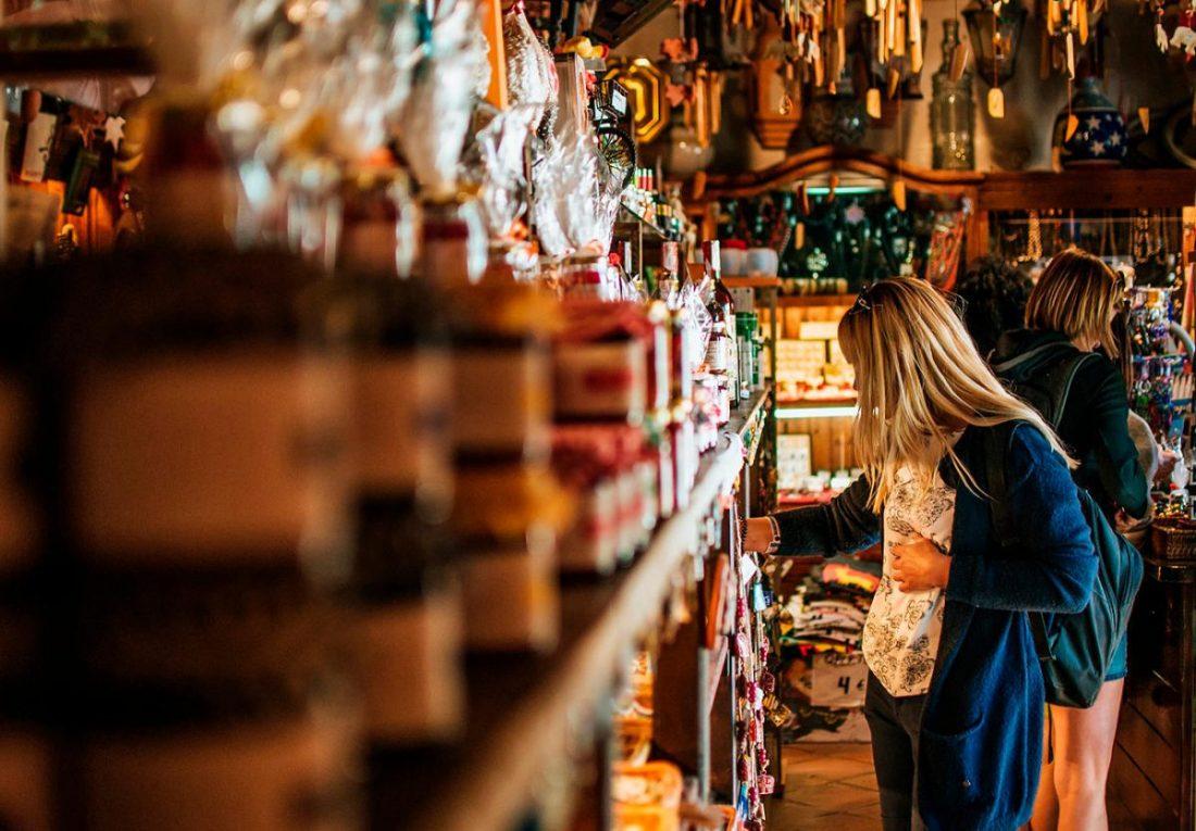 Las ventas en grandes superficies comerciales andaluzas crecen un 67,5%