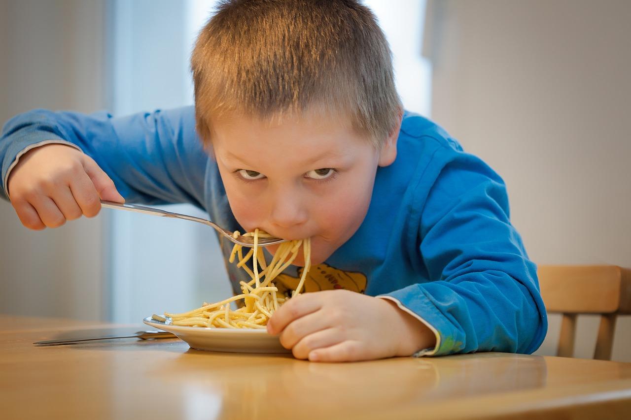 1.900 niños y niñas sin servicio de comedor durante 3 meses ¿Está funcionando el modelo de gestión de los comedores escolares en Andalucía?