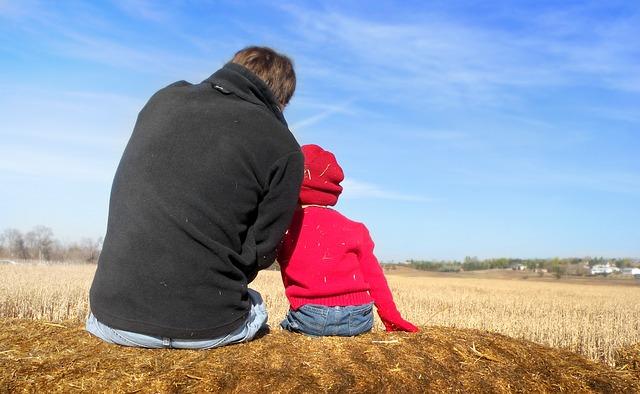 ¿Es soportable que en Andalucía 4 de cada 10 familias monoparentales con hijos se encuentre en riesgo de pobreza?