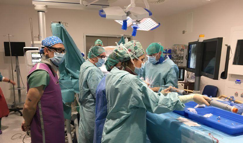 Operación en el Hospital Virgen de las Nieves