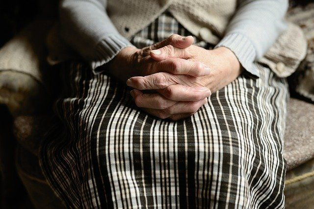 CSIF exige que los trabajadores de residencias de mayores de Andalucía cuenten con protección frente el Coronavirus