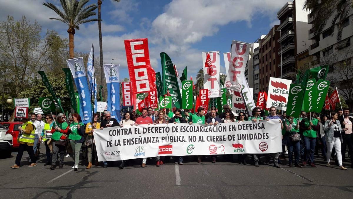 El gobierno andaluz ningunea la huelga y los sindicatos denuncian su falta de respeto a la comunidad educativa