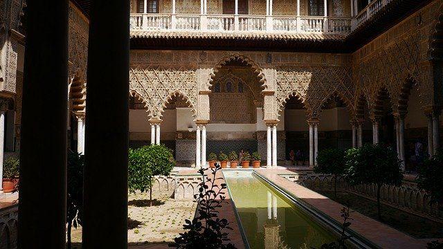 Andalucía creará un protocolo de protección contra el Covid-19 en establecimientos del sector turístico
