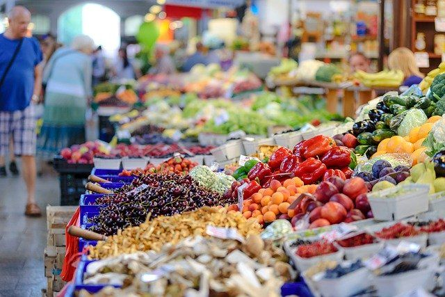 Los sindicatos piden protección inmediata para los trabajadores que manipulan los alimentos que comemos en Andalucía