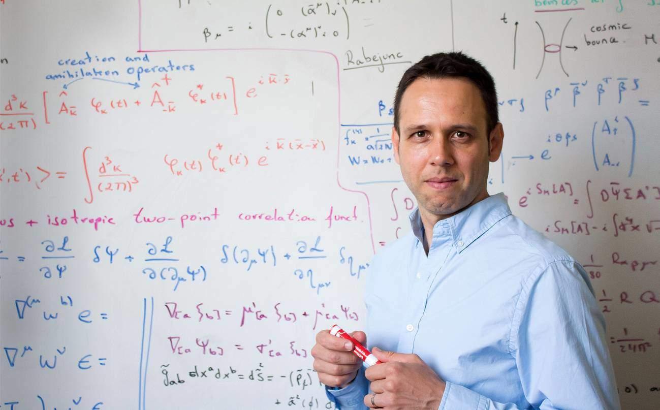 """Iván Agulló: """"No estamos seguros de que el universo comenzara en el Big Bang"""""""