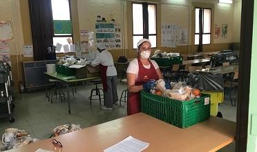 Las asociaciones de padres y madres piden amparo al Defensor del Pueblo ante la situación de los comedores escolares en Andalucía