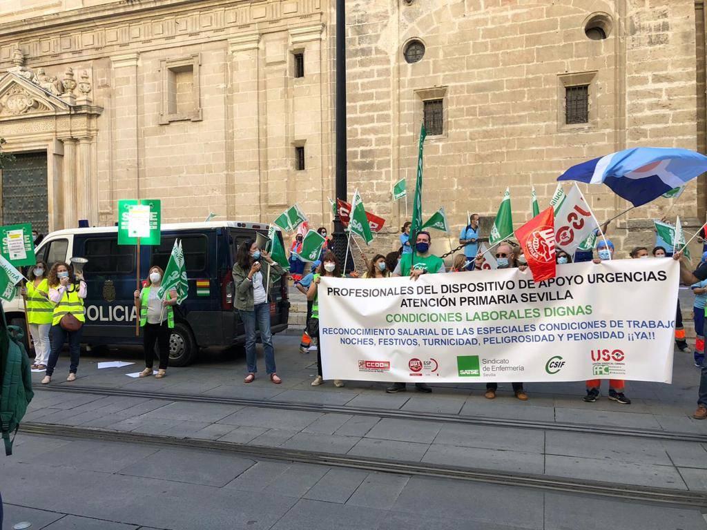 Primeras protestas de los profesionales de Urgencias tras el Coronavirus para demandar al SAS que regule sus condiciones laborales 