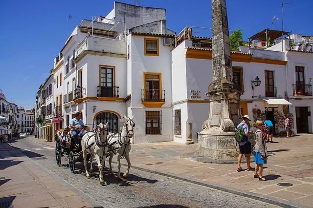 Moreno anuncia un Plan de Empleo con el que asegura que creará 19.000 puestos de trabajo en Andalucía