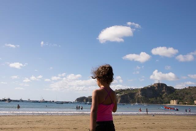 El tiempo en Andalucía hoy: Temperaturas en descenso con poniente en el Estrecho
