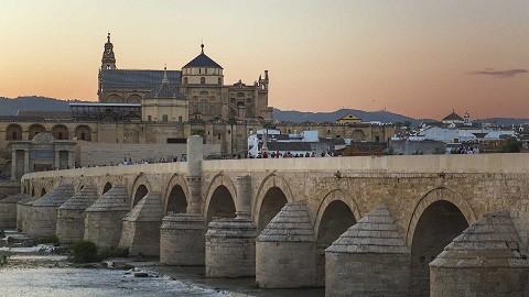 De turismo por Andalucía… recorre nuestra tierra a través de los pasos de Góngora