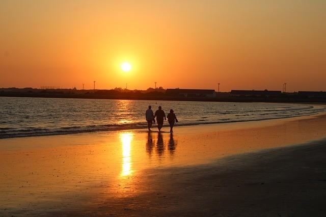El tiempo en Andalucía: Las temperaturas este viernes no dan respiro y vuelven a subir junto a las mínimas