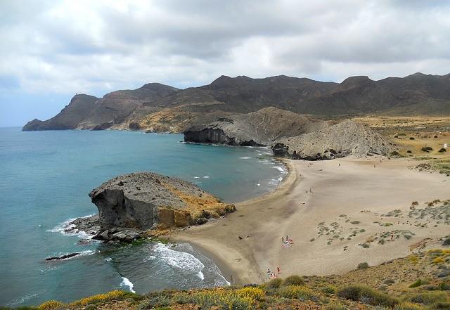 Los ecologístas en Andalucía piden amparo ante Europa para frenar la construcción del hotel en la Playa de los Genoveses