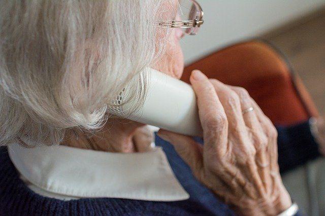74.000 horas de conversación para ayudar a las personas mayores y dependientes de Andalucía durante el coronavirus