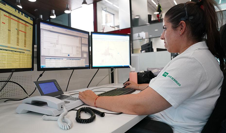 Concentraciones, paros y una huelga en el servicio de Emergencias 112 de Andalucía