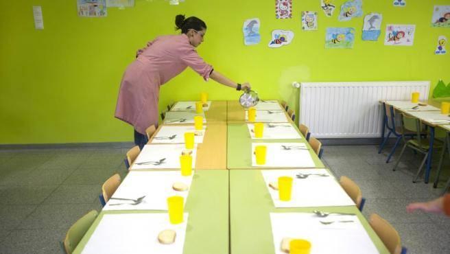 La asociación de padres y madres de alumnos denuncia que muchos centros educativos comenzarán sin comedor
