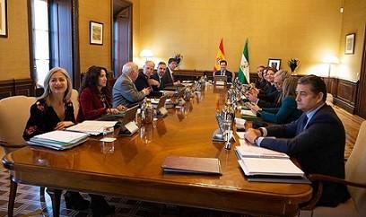 Andalucía, incapaz de organizar un comienzo de curso seguro, pide ayuda al Gobierno central