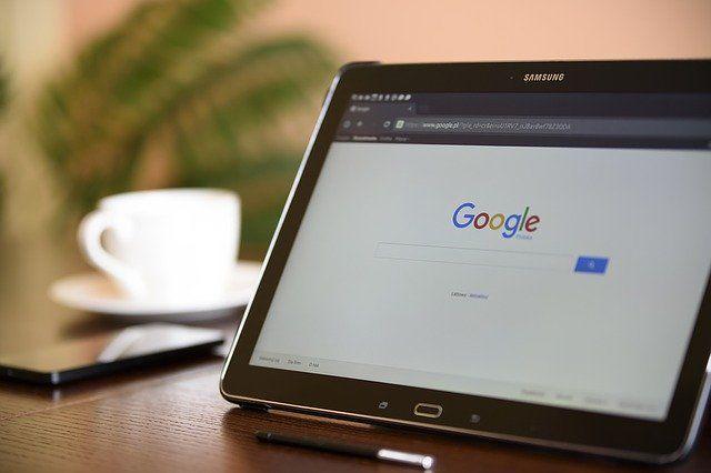 El peligro oculto del 'Dr. Google': así se generan bulos sobre salud en Internet