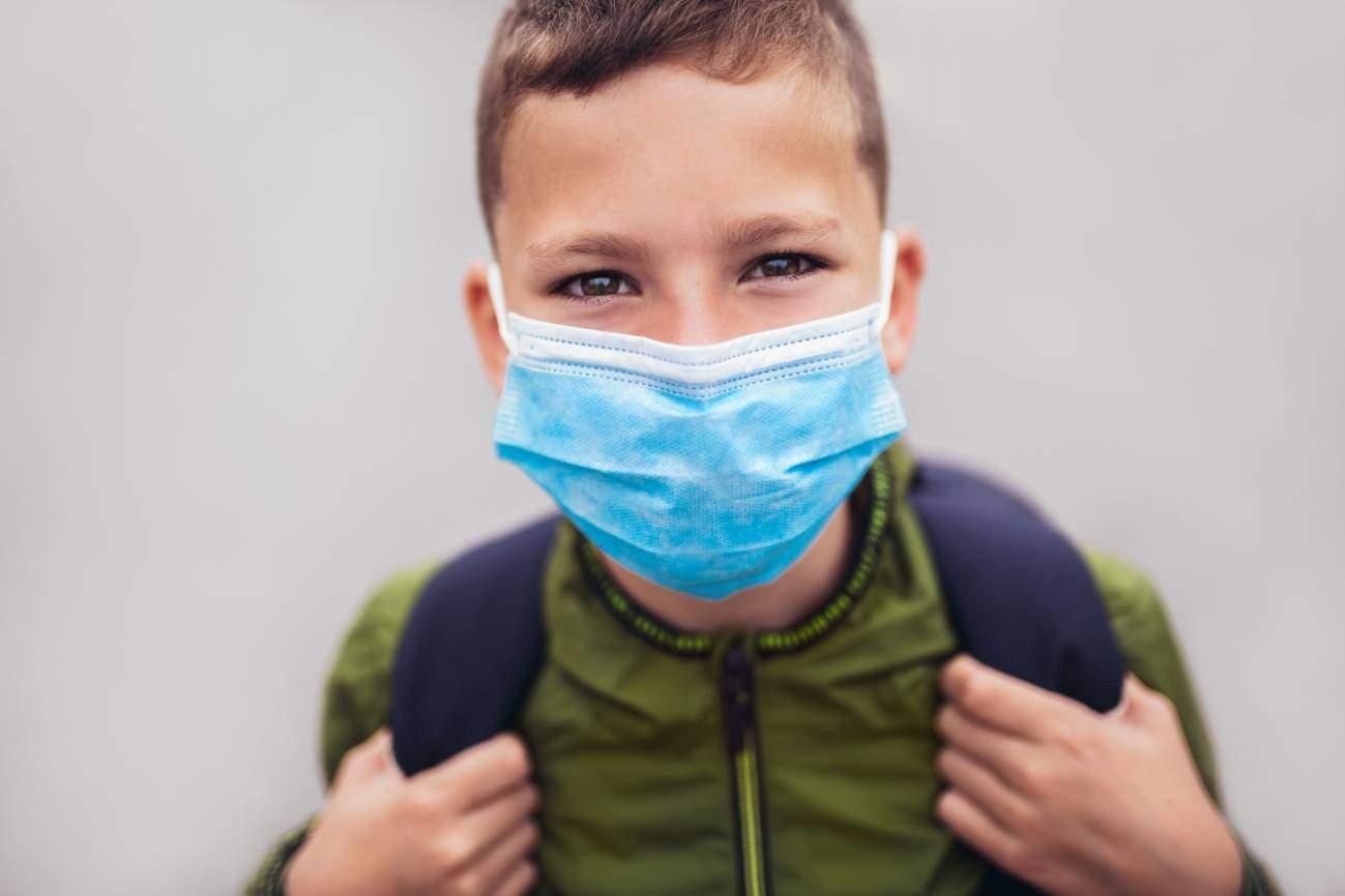 Un modelo matemático cuestiona la eficacia de cerrar escuelas para reducir muertes por coronavirus