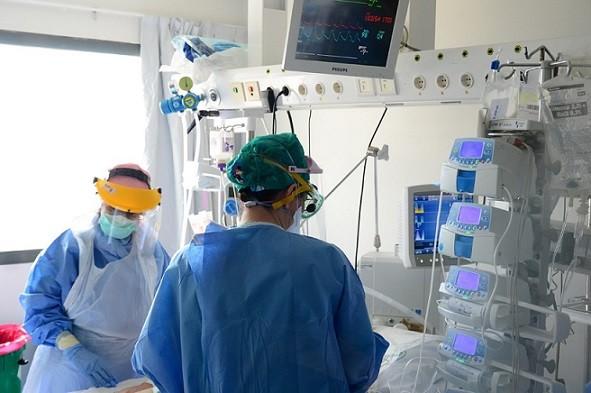 Andalucía ya tiene 90 personas hospitalizadas por complicaciones del Coronavirus