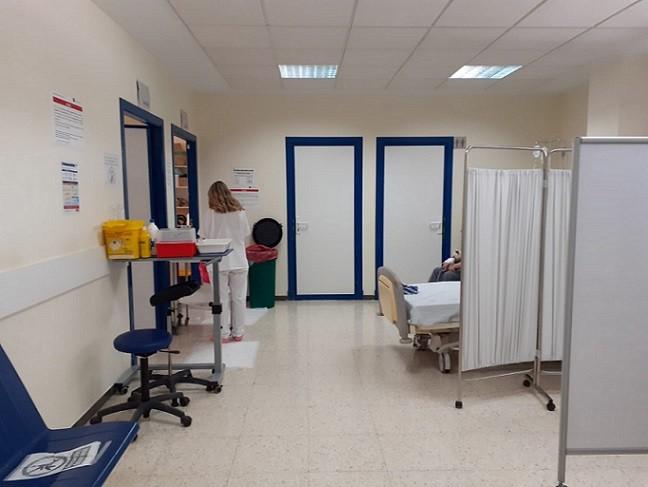 Los sanitarios en Andalucía dan la voz de alarma: «Necesitamos un refuerzo urgente de plantilla y más medios»