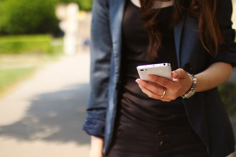 Después del apagón de ayer…¿Cómo sé si padezco 'nomofobia', miedo irracional a no tener el móvil (ni WhatsApp)?