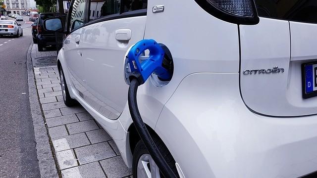 Puedes conseguir hasta 7.000 euros para comprar un vehículo eléctrico: Te contamos cómo puedes acogerte a esta ayuda