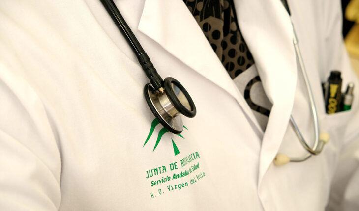 Los médicos de Andalucía se sienten «discriminados y menospreciados» por la Junta y el SAS