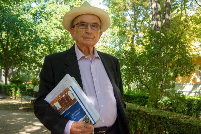 """Rafael Nájera, virólogo y médico del Cuerpo de Sanidad Nacional: """"La aceleración de vacunas es pura política, no tiene que ver con la ciencia. Es una vergüenza"""""""