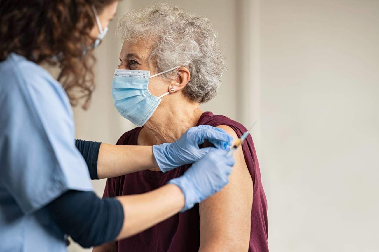 Aumenta la preocupación por la pandemia y la confianza en las vacunas