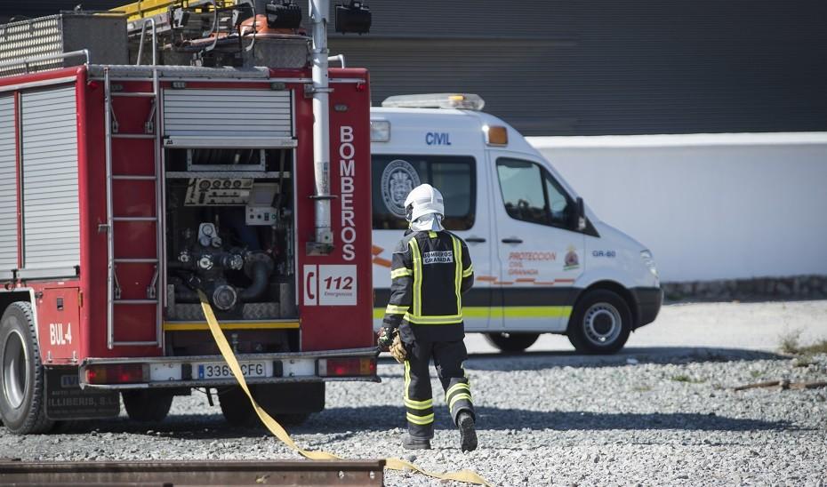 Una persona herida en el incendio de un edificio abandonado en Granada capital