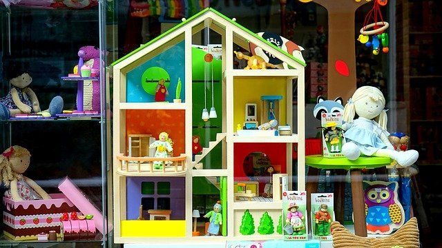 Consumo recomienda: Quizá es el momento de realizar las compras navideñas en el comercio local de Andalucía