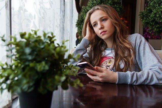 Tu hijo podría estar cometiendo un delito y no lo sabe: Sexting o compartir imágenes o vídeos íntimos sin autorización
