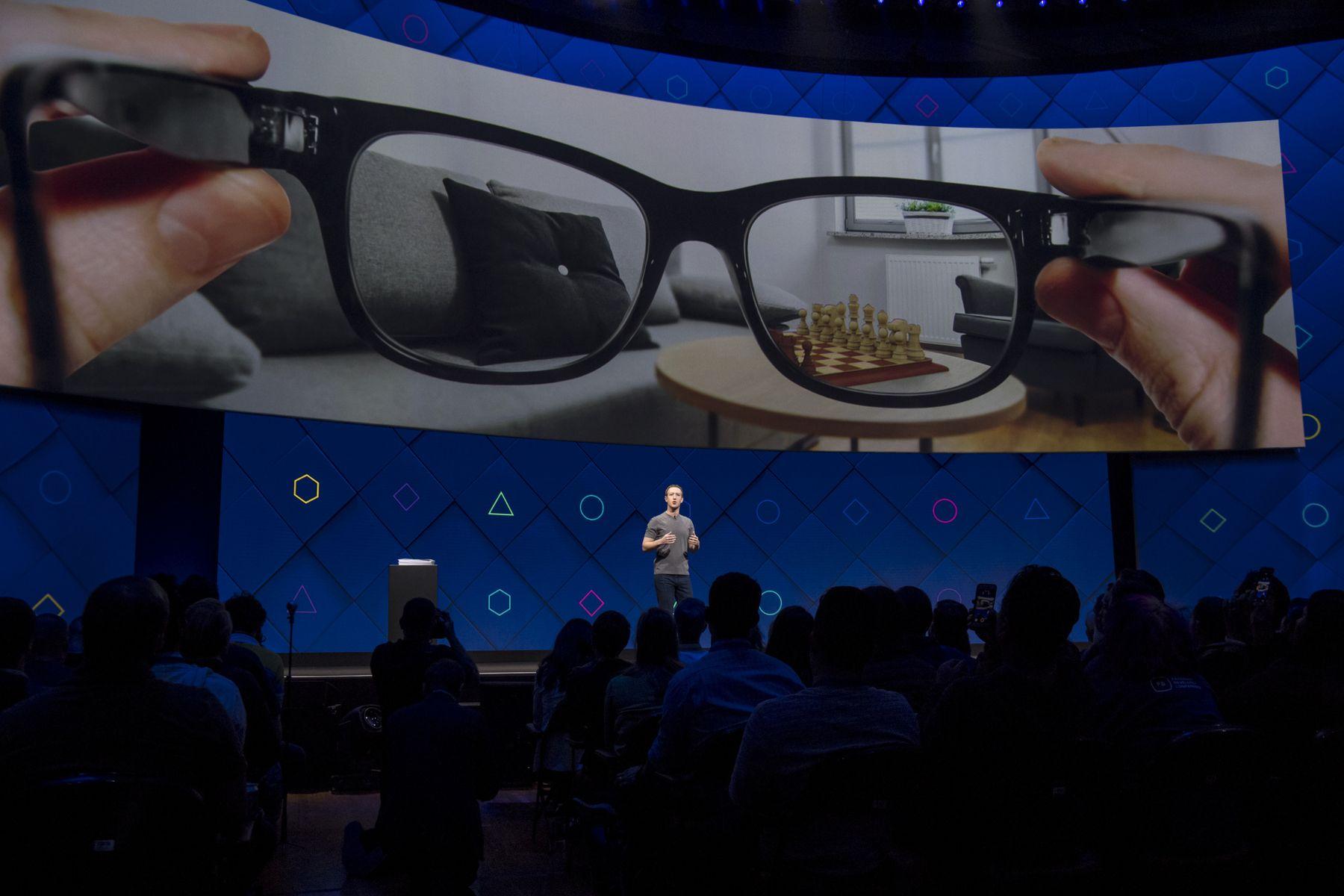 Facebook presentará en este 2021 sus primeras Smart Glasses y aquí te contamos cómo serán