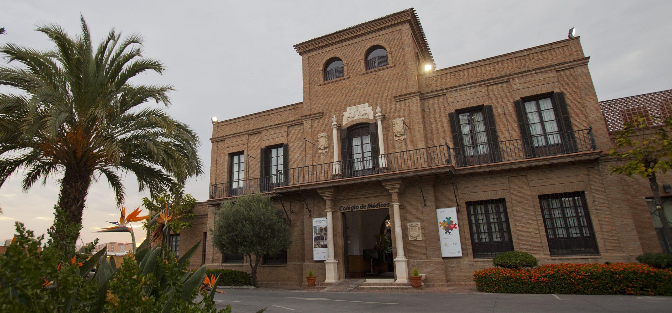 """El Colegio de Médicos advierte: """"Si no se endurecen las medidas, habrá que volver al confinamiento total en Andalucía"""""""