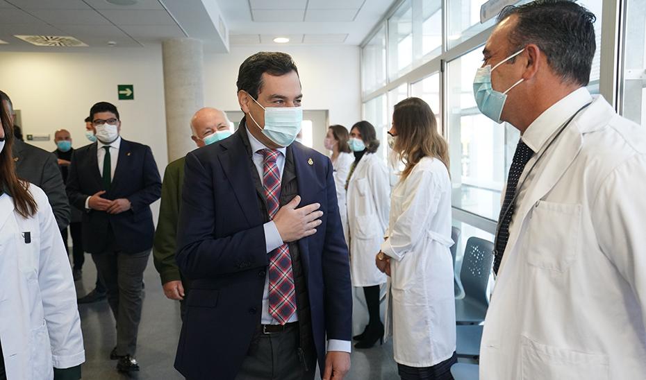 Moreno pide a los andaluces que «se queden en casa» y hoy anunciará medidas «más duras» para luchar contra el avance del coronavirus en Andalucía