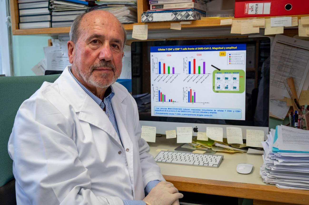 """Mariano Esteban, virólogo del CSIC: """"Nuestro diseño de vacuna posibilita una respuesta inmunitaria mucho más amplia y duradera"""""""