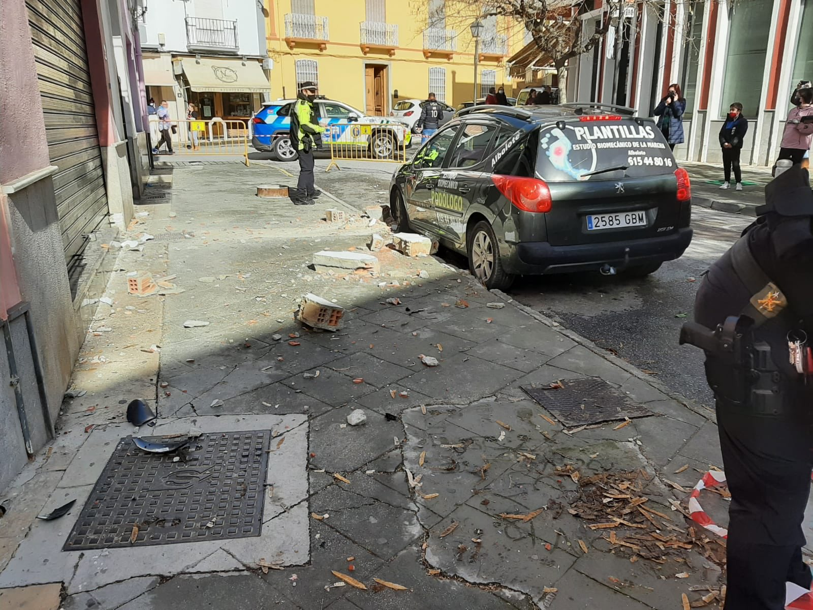 Temor a nuevos temblores en Granada: un terremoto de magnitud 4,4 en Santa Fe provoca importantes daños materiales