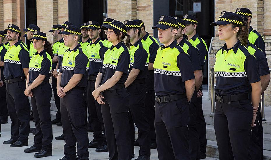 Todos los municipios andaluces con más de 5.000 habitantes tendrán policía propia