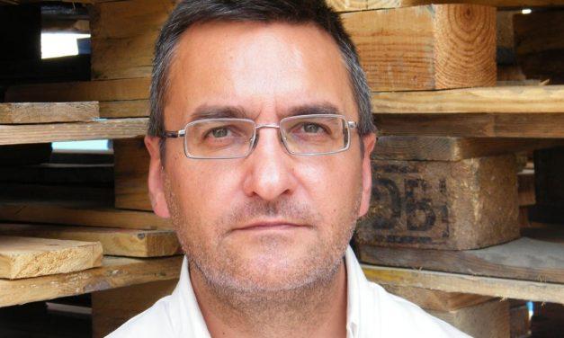 Salvador Gutiérrez Solís: «Estoy convencido de que Balzac, Hemingway o Cervantes habrían sido unos tuiteros maravillosos»