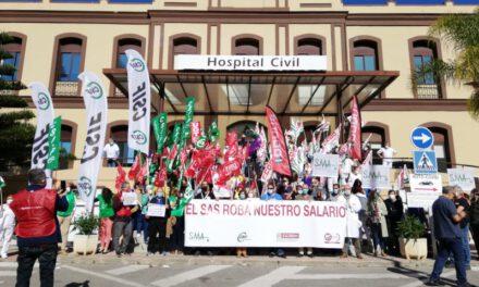 Los sanitarios salen a la calle en Andalucía para reclamar el Complemento de Rendimiento Personal que la Junta se niega a pagarles