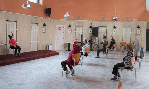 La vida vuelve a los centros de participación activa para personas mayores en Andalucía: «Ha sido como volver a mi segunda casa»