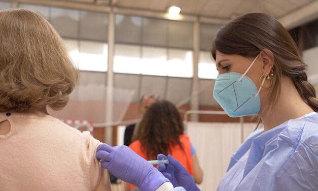 Andalucía busca personas mayores de 50 años que no se hayan vacunado de covid-19 mientras cita a los mayores de 30 años